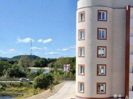 Продам двухкомнатную квартиру на 1-м этаже 5-этажного дома площадью 55 кв. м. в Биробиджане