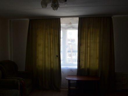 Сдам на длительный срок двухкомнатную квартиру на 10-м этаже 13-этажного дома площадью 60 кв. м. в Воронеже