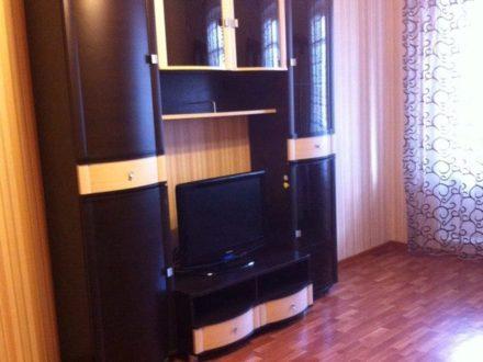 Сдам посуточно однокомнатную квартиру на 3-м этаже 9-этажного дома площадью 32 кв. м. в Туле