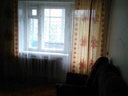 Сдам на длительный срок двухкомнатную квартиру на 4-м этаже 9-этажного дома площадью 50 кв. м. в Ульяновске