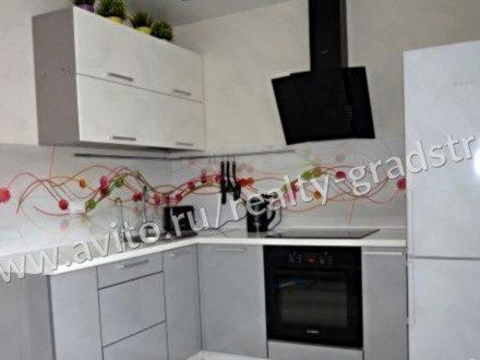 Продам двухкомнатную квартиру на 8-м этаже 10-этажного дома площадью 58 кв. м. в Вологде