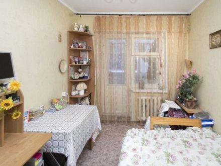 Продам двухкомнатную квартиру на 2-м этаже 4-этажного дома площадью 60 кв. м. в Ханты-Мансийске
