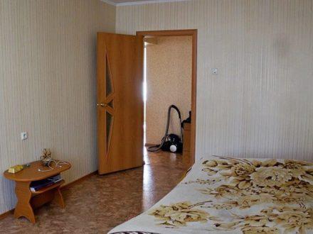 Продам двухкомнатную квартиру на 1-м этаже 5-этажного дома площадью 55 кв. м. в Южно-Сахалинске