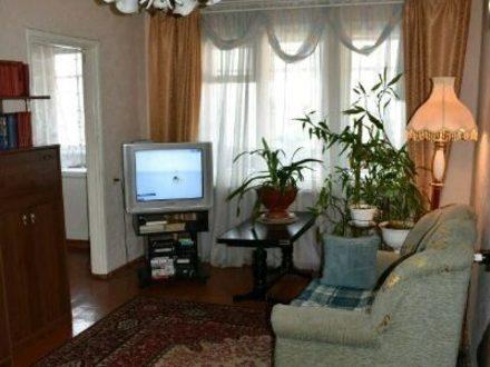 Продам трехкомнатную квартиру на 9-м этаже 9-этажного дома площадью 57 кв. м. в Мурманске