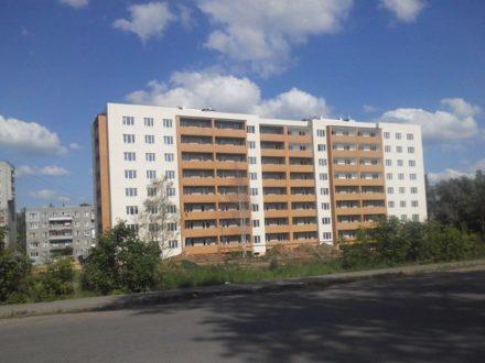 Продам трехкомнатную квартиру на 8-м этаже 8-этажного дома площадью 81,8 кв. м. в Ярославле