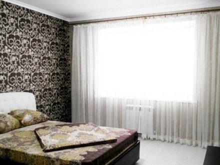 Сдам посуточно однокомнатную квартиру на 5-м этаже 9-этажного дома площадью 41 кв. м. в Чебоксарах