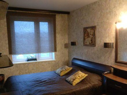 Сдам на длительный срок двухкомнатную квартиру на 7-м этаже 10-этажного дома площадью 45 кв. м. в Мурманске