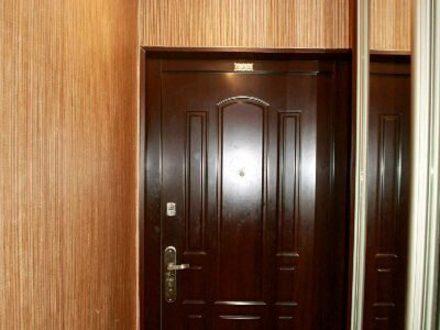 Продам трехкомнатную квартиру на 2-м этаже 5-этажного дома площадью 70 кв. м. в Белгороде