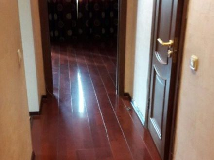 Продам однокомнатную квартиру на 4-м этаже 9-этажного дома площадью 48 кв. м. в Якутске