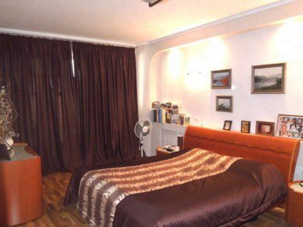 Продам четырехкомнатную квартиру на 6-м этаже 7-этажного дома площадью 101 кв. м. в Вологде