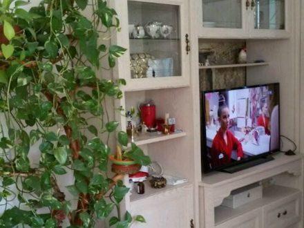 Продам двухкомнатную квартиру на 1-м этаже 9-этажного дома площадью 56 кв. м. в Грозном
