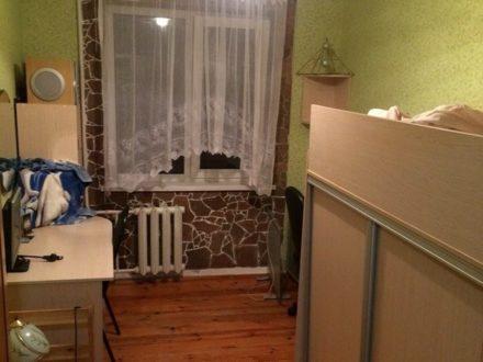 Продам четырехкомнатную квартиру на 2-м этаже 5-этажного дома площадью 61 кв. м. в Курске