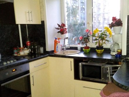 Продам двухкомнатную квартиру на 4-м этаже 5-этажного дома площадью 42 кв. м. в Владимире