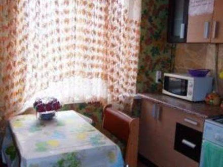 Сдам посуточно однокомнатную квартиру на 3-м этаже 9-этажного дома площадью 27,2 кв. м. в Пскове
