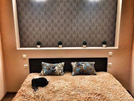 Сдам посуточно однокомнатную квартиру на 16-м этаже 16-этажного дома площадью 40 кв. м. в Майкопе