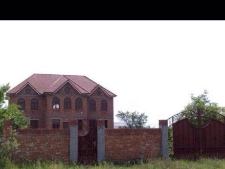 Продам дом площадью 420 кв. м. в Нальчике