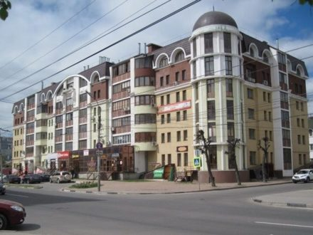 Продам трехкомнатную квартиру на 3-м этаже 6-этажного дома площадью 117 кв. м. в Рязани