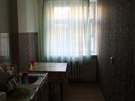 Сдам посуточно двухкомнатную квартиру на 2-м этаже 4-этажного дома площадью 67 кв. м. в Йошкар-Оле