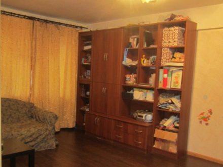 Продам трехкомнатную квартиру на 2-м этаже 5-этажного дома площадью 60 кв. м. в Петрозаводске