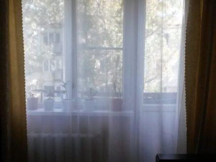 Продам двухкомнатную квартиру на 5-м этаже 5-этажного дома площадью 45,6 кв. м. в Элисте