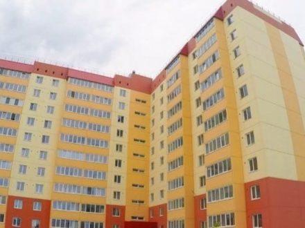 Продам двухкомнатную квартиру на 8-м этаже 10-этажного дома площадью 53 кв. м. в Новосибирске