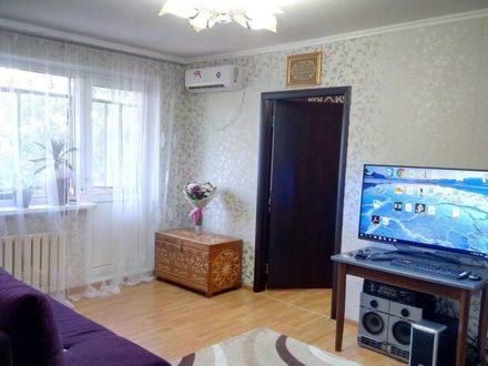 Продам двухкомнатную квартиру на 5-м этаже 5-этажного дома площадью 45,5 кв. м. в Оренбурге