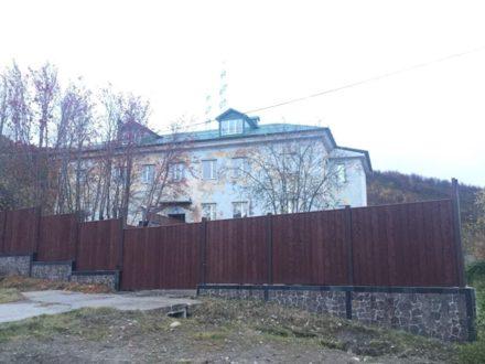 Продам дом площадью 735,8 кв. м. в Мурманске