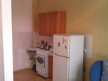 Сдам посуточно однокомнатную квартиру на 9-м этаже 9-этажного дома площадью 45 кв. м. в Иркутске