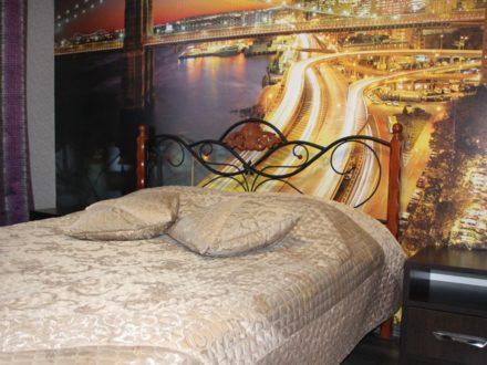 Сдам посуточно двухкомнатную квартиру на 5-м этаже 9-этажного дома площадью 50 кв. м. в Костроме