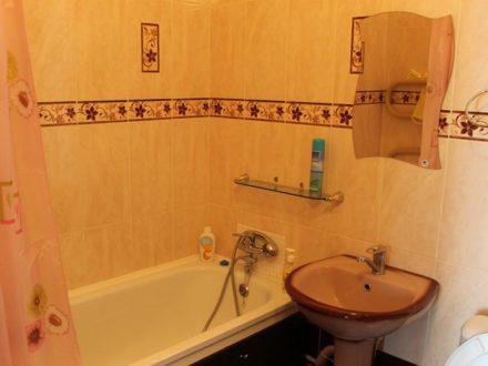 Сдам посуточно однокомнатную квартиру на 4-м этаже 6-этажного дома площадью 34 кв. м. в Йошкар-Оле