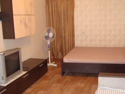 Сдам посуточно однокомнатную квартиру на 3-м этаже 5-этажного дома площадью 31 кв. м. в Рязани