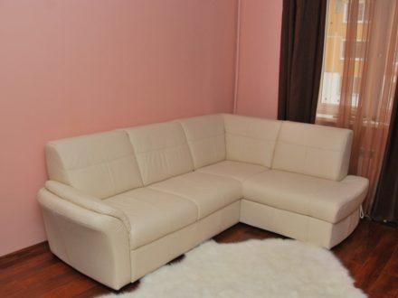 Сдам посуточно двухкомнатную квартиру на 3-м этаже 5-этажного дома площадью 45 кв. м. в Саранске