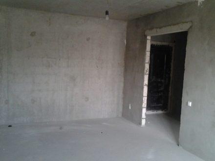 Продам однокомнатную квартиру на 5-м этаже 17-этажного дома площадью 44 кв. м. в Рязани