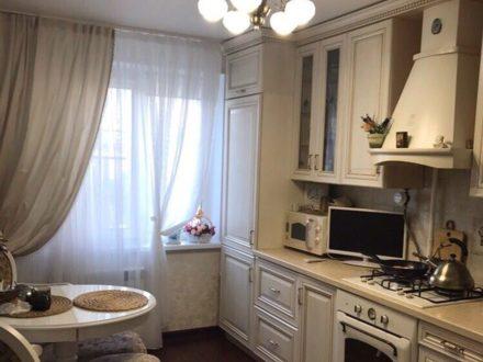Продам трехкомнатную квартиру на 5-м этаже 9-этажного дома площадью 65 кв. м. в Нижнем Новгороде
