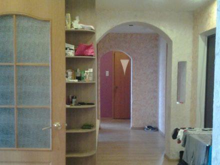 Продам четырехкомнатную квартиру на 4-м этаже 5-этажного дома площадью 81 кв. м. в Пскове