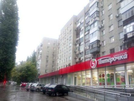 Сдам на длительный срок однокомнатную квартиру на 5-м этаже 9-этажного дома площадью 34 кв. м. в Саратове