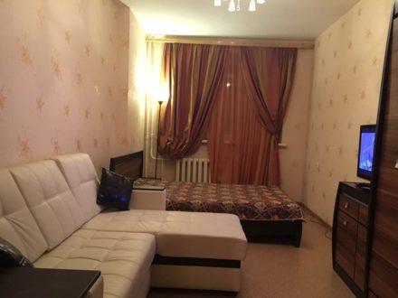Сдам посуточно однокомнатную квартиру на 9-м этаже 10-этажного дома площадью 44 кв. м. в Иваново