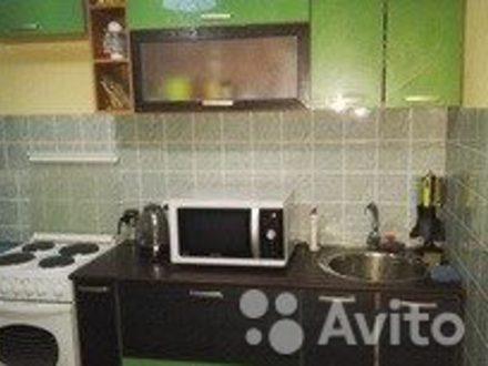 Сдам посуточно трехкомнатную квартиру на 2-м этаже 5-этажного дома площадью 72 кв. м. в Анадыре