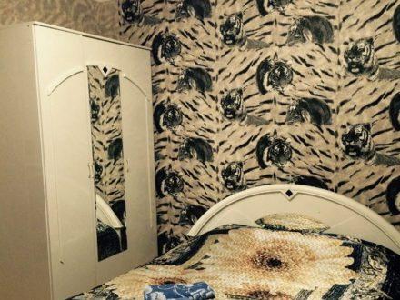 Сдам посуточно однокомнатную квартиру на 6-м этаже 10-этажного дома площадью 35 кв. м. в Горно-Алтайске