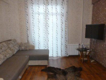 Продам двухкомнатную квартиру на 4-м этаже 4-этажного дома площадью 55 кв. м. в Красноярске