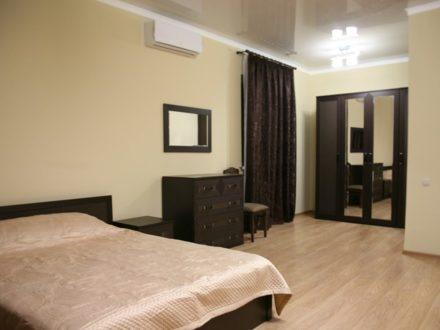 Сдам посуточно однокомнатную квартиру на 2-м этаже 3-этажного дома площадью 47 кв. м. в Ставрополе