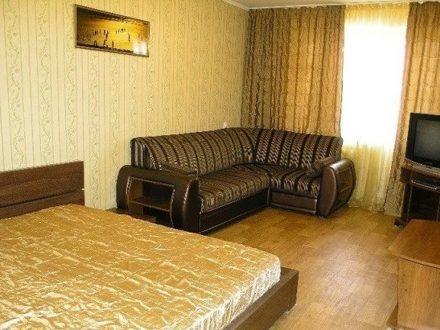 Сдам посуточно однокомнатную квартиру на 5-м этаже 11-этажного дома площадью 39 кв. м. в Владимире
