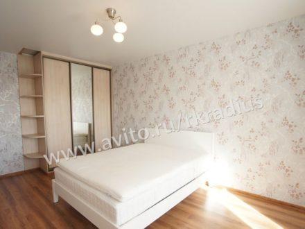 Сдам на длительный срок двухкомнатную квартиру на 6-м этаже 10-этажного дома площадью 75 кв. м. в Нижнем Новгороде
