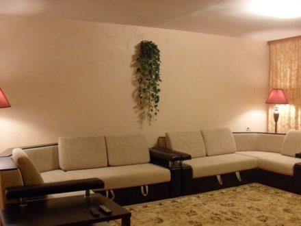 Продам трехкомнатную квартиру на 1-м этаже 10-этажного дома площадью 77,2 кв. м. в Ханты-Мансийске