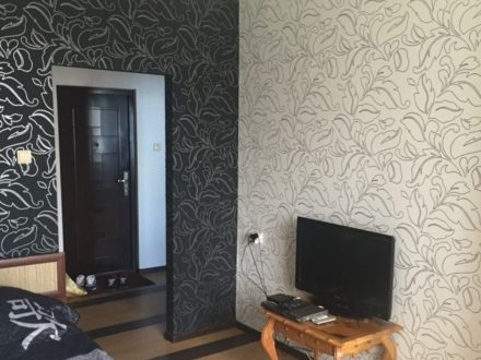 Сдам посуточно однокомнатную квартиру на 10-м этаже 10-этажного дома площадью 40 кв. м. в Майкопе
