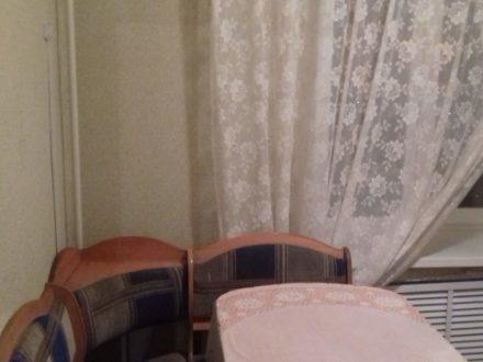 Сдам посуточно двухкомнатную квартиру на 3-м этаже 9-этажного дома площадью 48 кв. м. в Липецке
