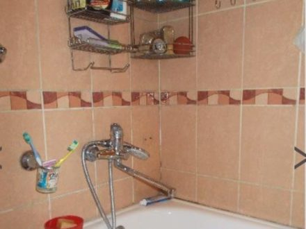 Продам двухкомнатную квартиру на 2-м этаже 5-этажного дома площадью 50,2 кв. м. в Кызыле