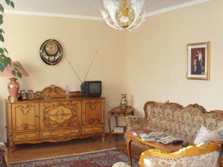Продам трехкомнатную квартиру на 3-м этаже 6-этажного дома площадью 100 кв. м. в Южно-Сахалинске