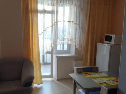 Сдам посуточно однокомнатную квартиру на 5-м этаже 24-этажного дома площадью 39 кв. м. в Красноярске