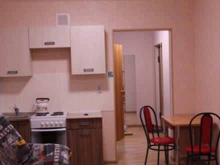 Сдам посуточно студию на 8-м этаже 17-этажного дома площадью 30 кв. м. в Кирове